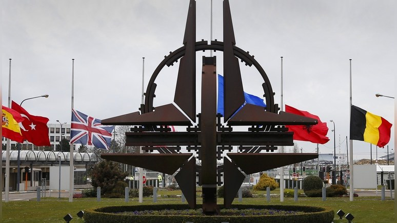 Обозреватель Washington Post: Макрон прав — НАТО пора оставить в прошлом