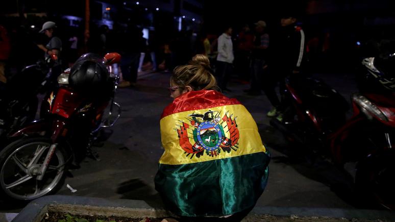 El Periódico: «коварный и роковой удар» — Моралес отреагировал на передачу власти в Боливии