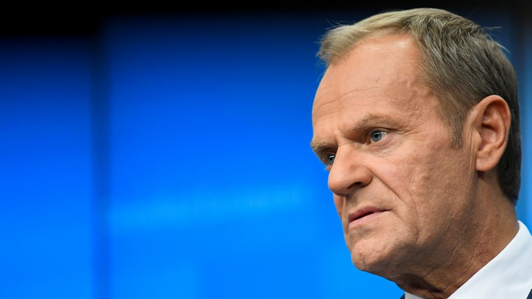 Frankfurter Allgemeine: перед уходом с поста председателя Туск «свёл счёты» с Макроном