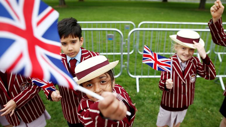 Independent: в Великобритании хотят ввести гендерно-нейтральную школьную форму