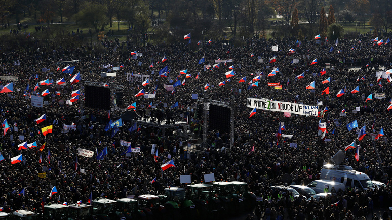 Das Erste: через 30 лет после «бархатной революции» в Чехии снова протесты