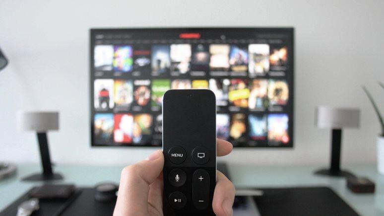 ERR: в Латвии из-за санкций запретили трансляцию девяти российских телеканалов