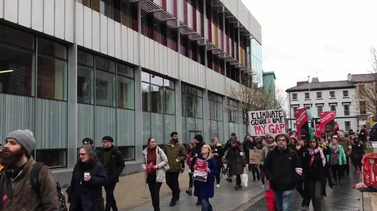 Independent: пикеты и отменённые лекции — британские профессора недовольны пенсионной реформой