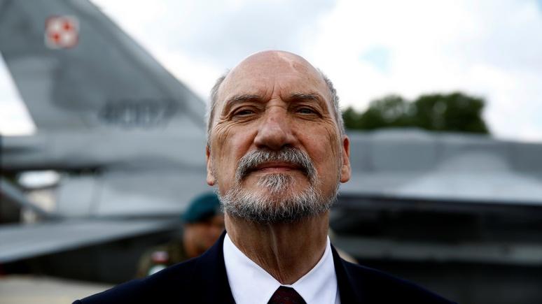 Экс-министр обороны Польши: не будь НАТО, советские войска бы сейчас разгуливали в Каталонии и Португалии