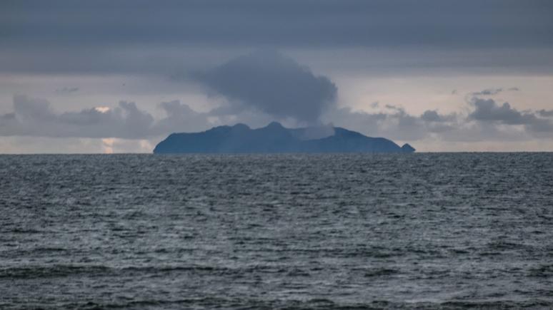 New York Post: из-за извержения вулкана в Новой Зеландии эвакуирован остров Уайт-Айленд