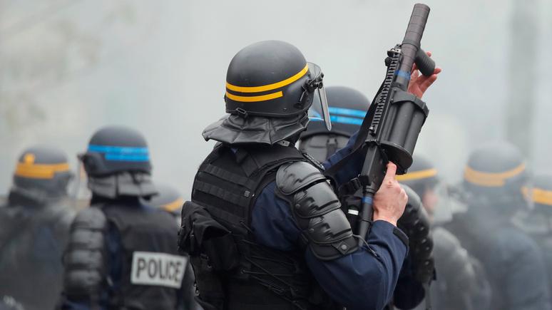 Le Figaro: «не фотографировать при исполнении» — во Франции предложили способ борьбы с ненавистью к полицейским
