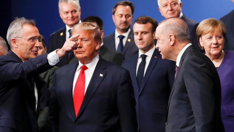 Эксперт: НАТО «застряло между Трампом и Макроном»