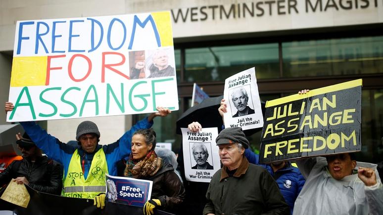 Guardian: адвокаты Ассанжа заявили, что их к нему не пускают — ИноТВ