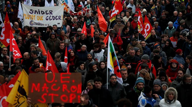 Le Figaro: «холодная гражданская война» — историк о противостоянии власти и народа во Франции