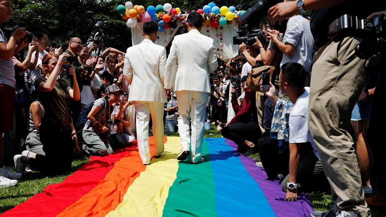CBS News:в методистской церкви произошёл раскол из-за геев