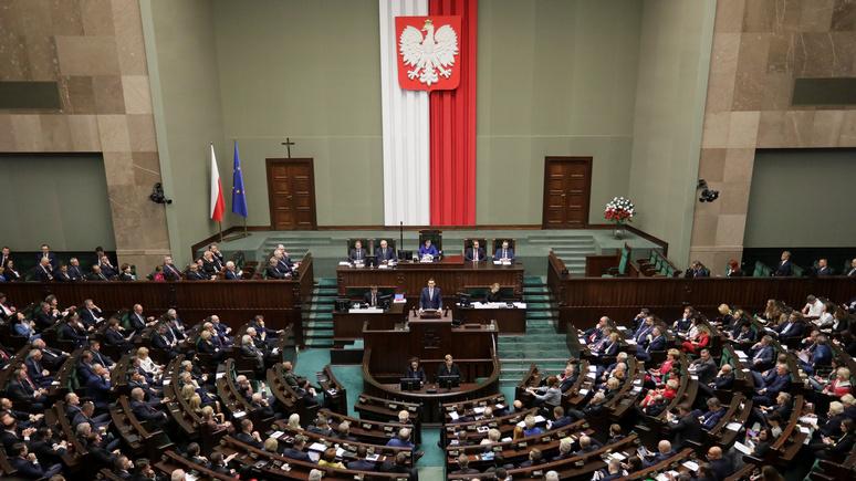Die Zeit: в «борьбе против лжи» Польша запретит России трактовать историю по-своему