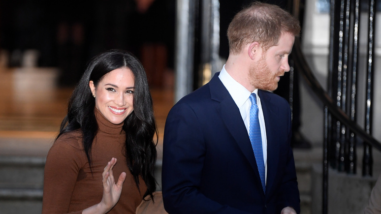 Times: принц Гарри с женой раскололи королевскую семью ради «финансовой независимости»