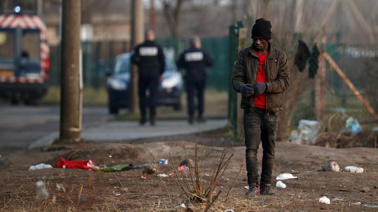 «Бедность, безработица и засилье мигрантов» — Le Parisien рассказала о жизни парижской окраины