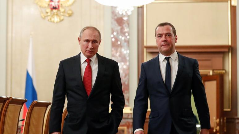 Три пути Путина: обозреватель Bloomberg рассказал о полной перезагрузке власти в России