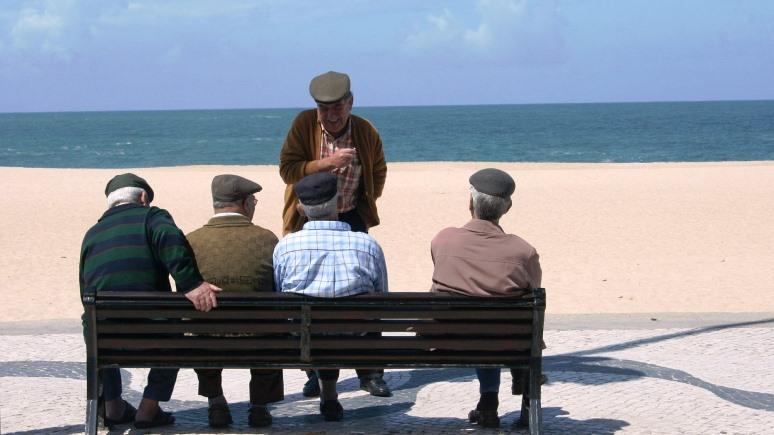 Times: стареющей Европе грозит демографический кризис