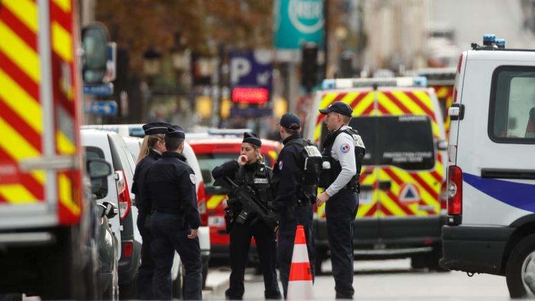 Le Figaro: для борьбы с радикализацией госслужащих Франции необходимо изменить закон