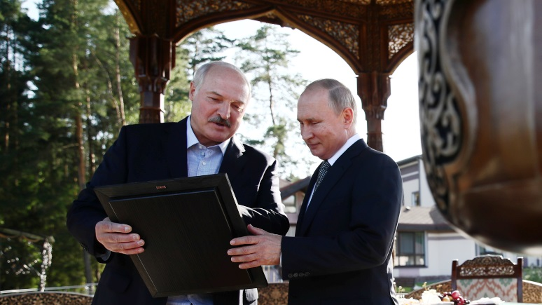 Washington Post: Запад должен помочь Лукашенко спасти страну от Путина