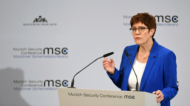 Министр обороны ФРГ: Москва проводит «гибридные атаки», а Запад только жалуется