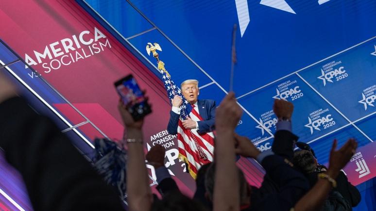 Independent: «Я люблю тебя, детка» — Трамп вновь признался в своих чувствах к флагу США