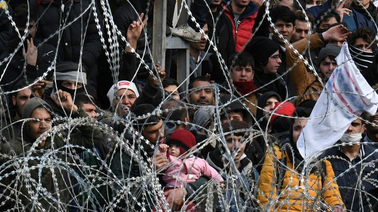 El Periódico: открыв границы беженцам, Эрдоган ударил по Европе «главным политическим орудием»