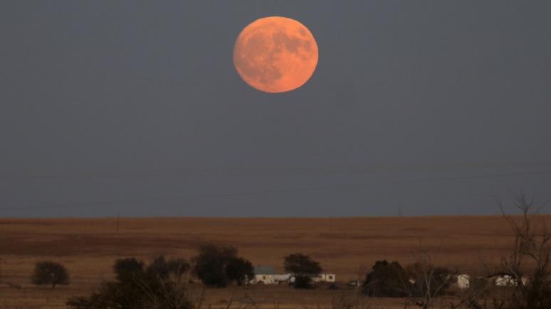Обозреватель CNN: Луна — идеальный полигон для новых технологий по освоению космоса