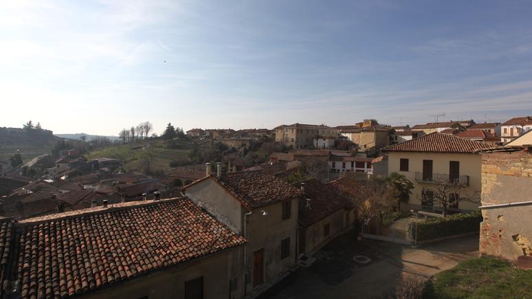 Guardian: мэр итальянского городка развеял миф о чудодейственной воде против коронавируса