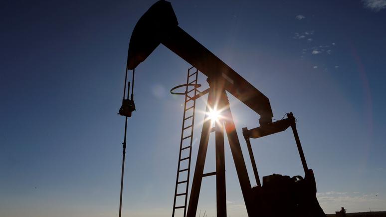 Forbes: разговор Трампа и Путина подтолкнул нефть к стабилизации