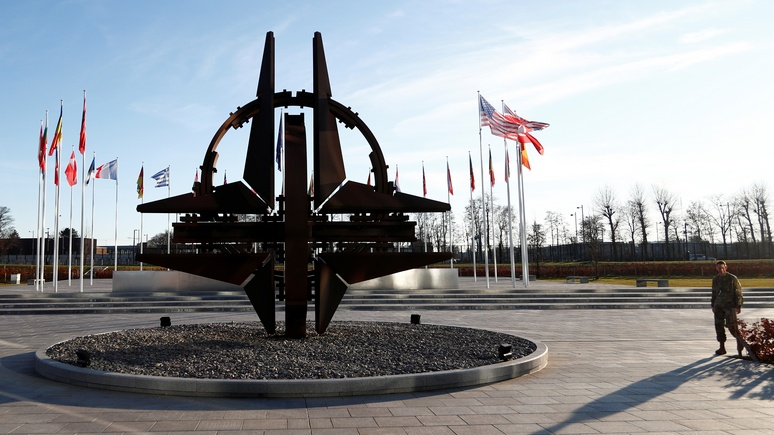 Эксперт: в отличие от агрессивной России НАТО и ЕС хотят свободной и мирной Европы