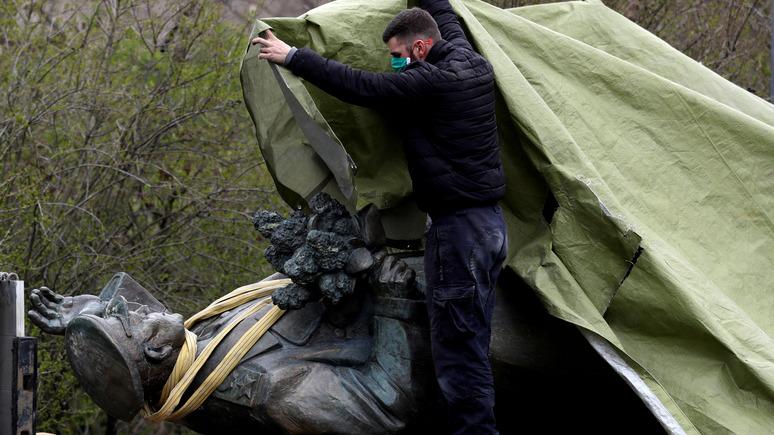 УП: коммунисты Зимбабве раскритиковали Прагу за снос памятника Коневу