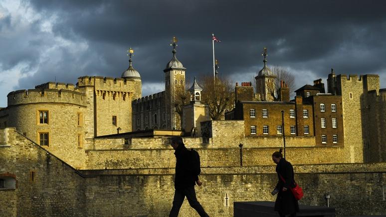 Times: Британия разрешит молодёжи болеть и работать, а стариков изолирует