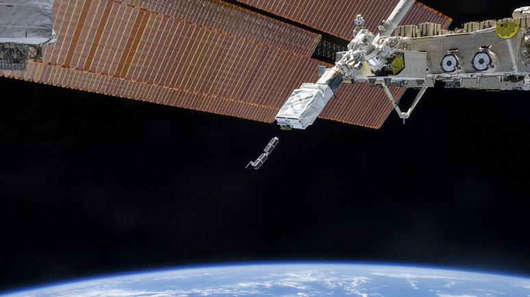 Times: Космические силы США собираются «глушить» спутники России и Китая