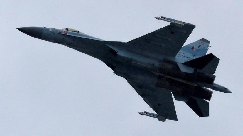 Fox News: ВМС США обвинили российский Су-35 в «непрофессиональном» перехвате американского разведчика