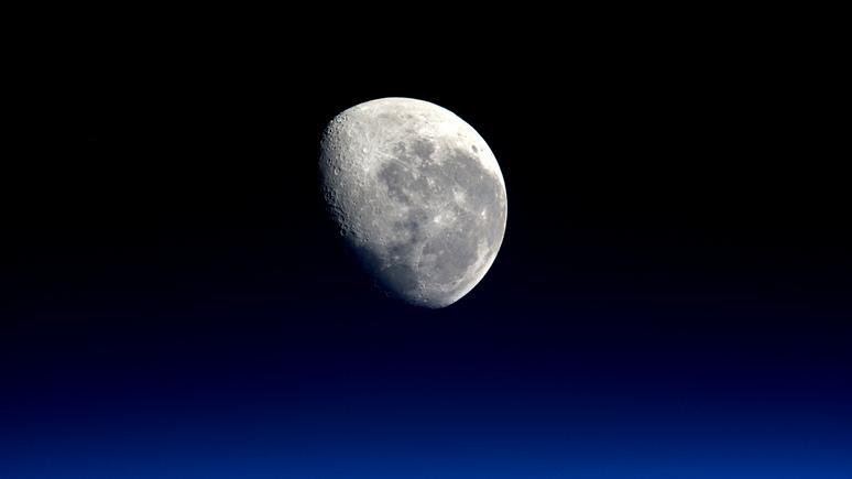 Reuters: США не собираются делиться лунными ресурсами с Россией