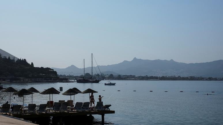 Hürriyet: Турция рассчитывает восстановить туризм в июле