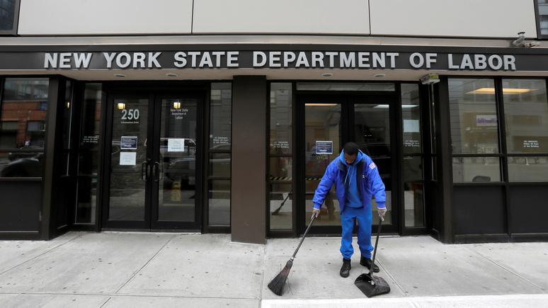 BI: больнее всего безработица ударила по малообеспеченным американцам