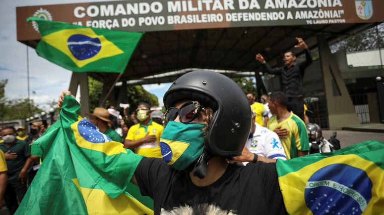 SVT: в Бразилии «политический хаос» задвинул коронавирус на второй план