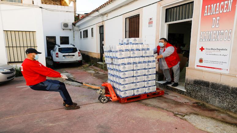 Independent: очереди голодных протянулись по всей Испании