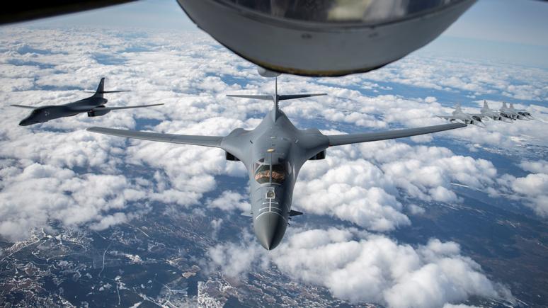Die Presse: США вернулись к воздушному устрашению, не дождавшись конца пандемии