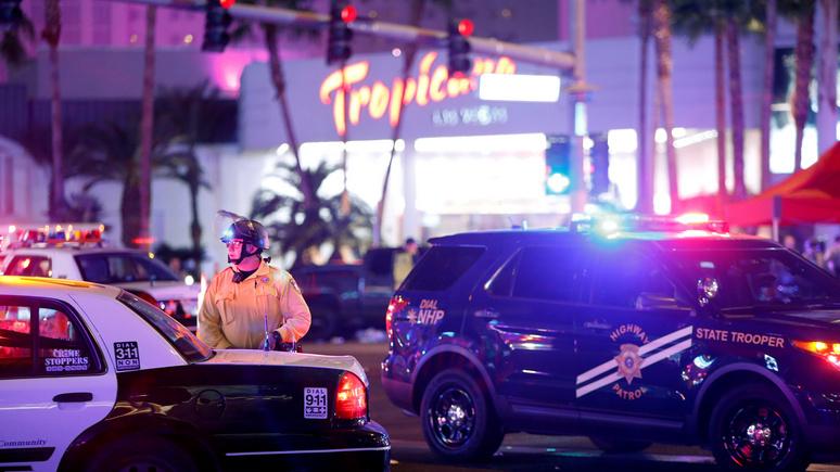 8 News Now: в Лас-Вегасе неизвестный выстрелил полицейскому в голову