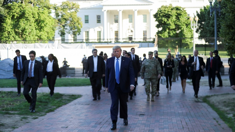 SZ: Трамп поставил нацбезопасность США под угрозу гражданской войны