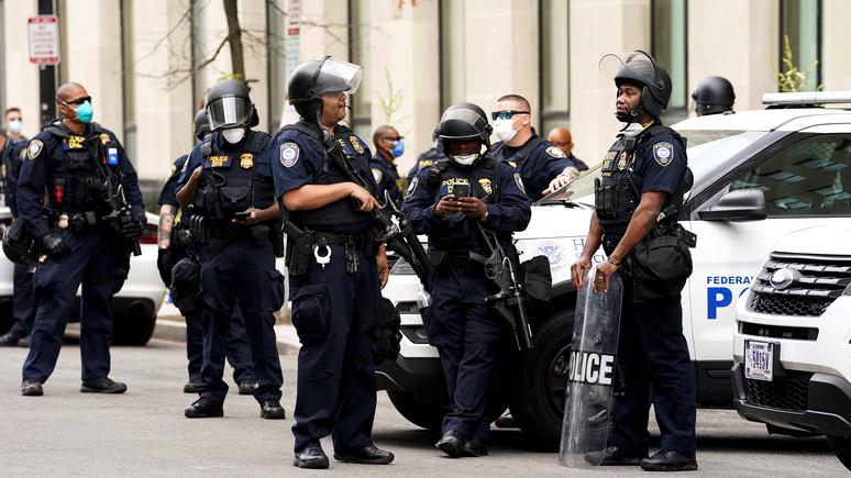 «Настрой воина»: Business Insider рассказал, как американских полицейских учат убивать не колеблясь