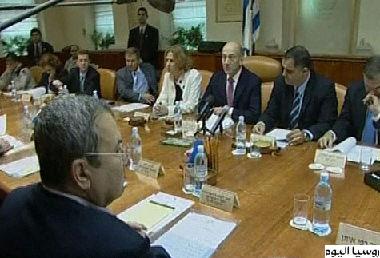 إسرائيل توافق على تسليم السلطة مساعدات روسية