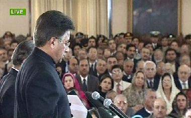 تعليق روسي على قرار تنحي مشرف عن قيادة الجيش