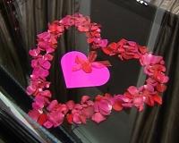 القلوب أنسب الهدايا في عيد الحب