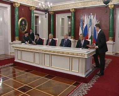 بوتين يلتقي نظيره الأوزبكي في موسكو