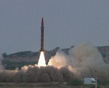 تجربة ناجحة لاطلاق صاروخ قصير المدى في باكستان