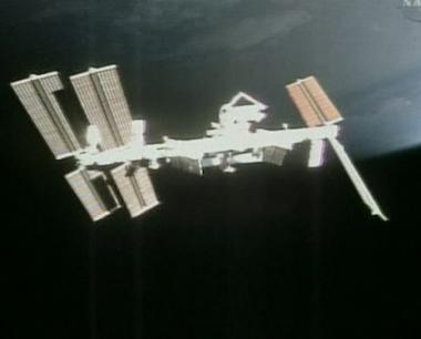 عملية تحطيم لقمر التجسس الخارج عن المدار