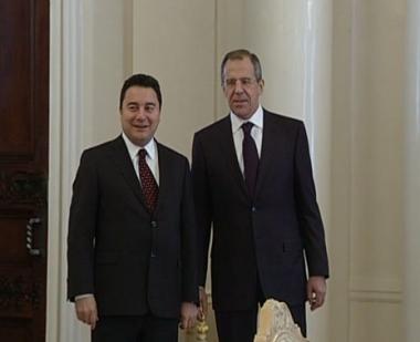 باباجان يعرب عن إرتياحه لتعزيز العلاقات الإقتصادية مع روسيا