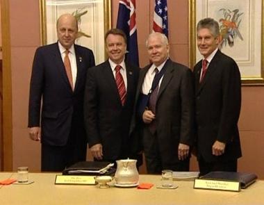 هل يقنع غيتس استراليا بالتريّث في سحب قواتها من العراق؟