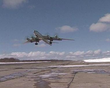 قاذفات روسية تجري دوريات جوية فوق المحيط الأطلسي